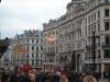 Londons Doppeldecker Busse und Weihnachtsschmuck