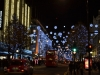 New Oxford Street vor Weihnachten bei Nacht