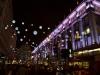 Londons Hight Street im Dunkeln