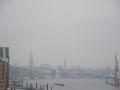 Start der Nordeuropa Kreuzfahrt im Hamburger Nebel