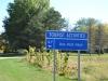 "Schild ""Das Holz Haus"" im Amish Land Illinois USA"