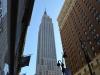 Empire State Buildung durch die Häuserschlucht