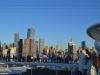 Skyline von New York und Reling der AIDAbella