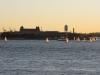 Ellis Island mit Segelbooten