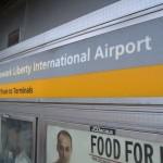 Schild Newark International Airport
