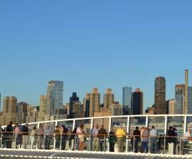 Skyline von New York von dem Sonnendeck der Aida Bella aus