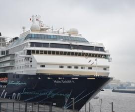 Mein Schiff 1 im Hamburger Hafen