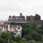 Edinburgh Castle mit Fachwerkhäusern