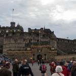 Edinburgh Castle mit Besuchern zum Tattoo