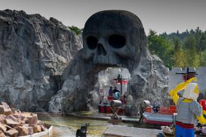 Es wird naß - Bootsattraktion im Legoland Deutschland