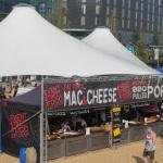 Amerikanisches Essen im London vor dem NFL Spiel