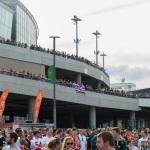 Alle warten auf Einlass zum NFL Spiel im Wembley Stadion 2014