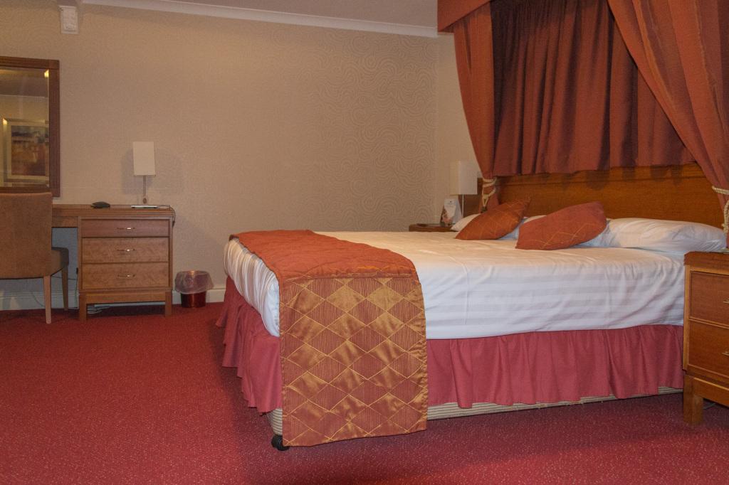 Himmlisches Bett im Mercure George Washington Golf and Spa