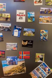Magnete und Postekarten