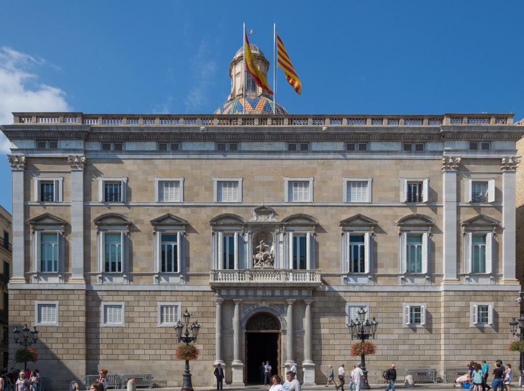 Barcelona Spanische und Katalanische Flagge