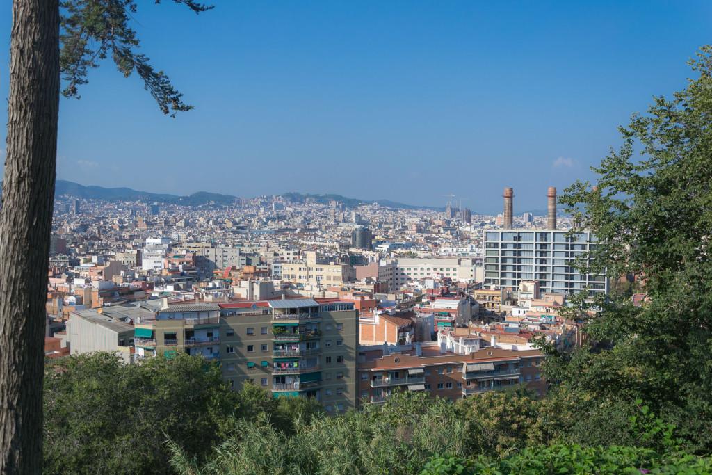Sagrada Familia mitten in Barcelona