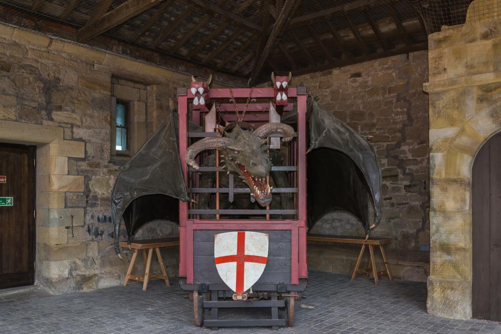 gefangener Drachen auf Alnwick Castle