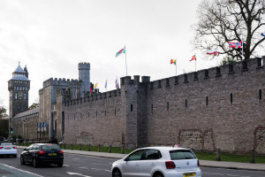 Roadtrip durch Wales - Cardiff Castle lange Mauer