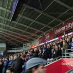 Bei Cardiff City FC darf im Stadion auch während des Spieles noch gestanden werden.