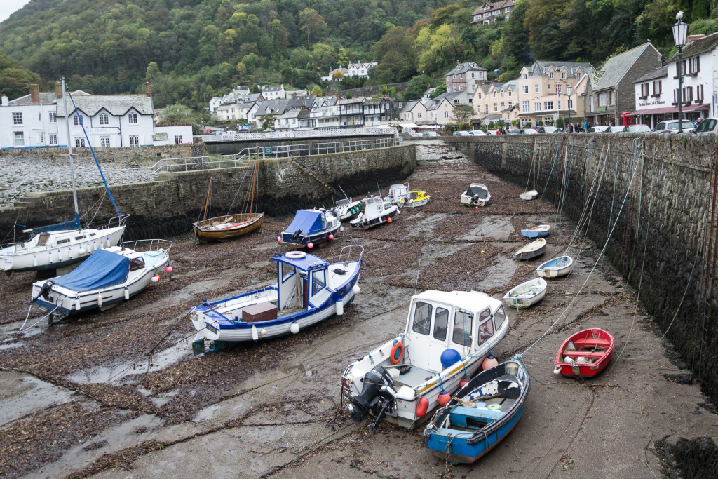 Boote in Lynmouth bei Ebbe