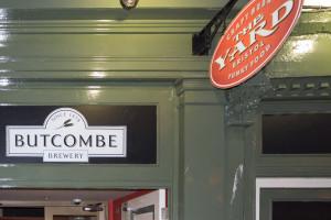 The Yard Bristol - Butcombe Brewery - Bestes Pub Bristols, gutes Bier, gute Burger und super Nachos!