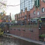 Birmingham - spaziere am Kanal durch die Stadt