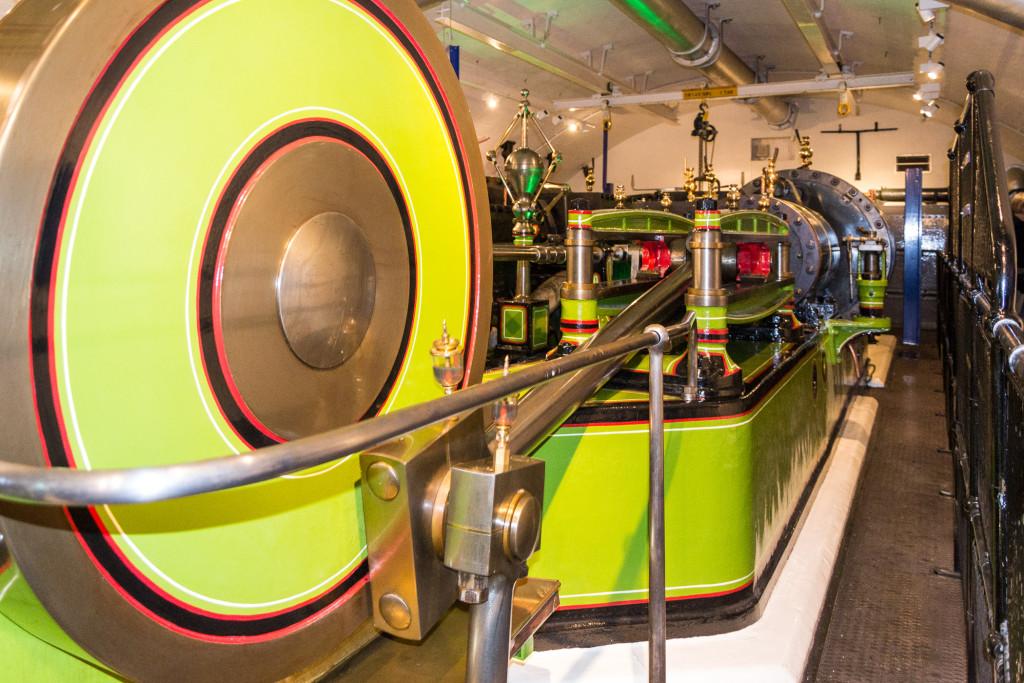 Größe der Dampfmaschine - die Dampfmaschine der Tower Bridge hat gewaltige Ausmaße