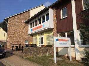 Ein Bild der DJH in Weiskirchen, zur Verfügung gestellt von aktiv-durch-das-leben.de für das Duell Jugendherberge oder Hotel