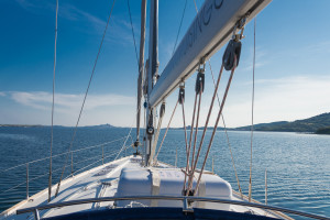 Blick über die Segelyacht