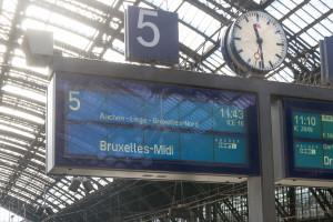Warten auf den ICE nach Brüssel Midi