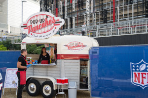 pop of Pancake Stand vor dem Wembley Stadion