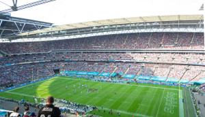 Gut gefülltes Wembley Stadion