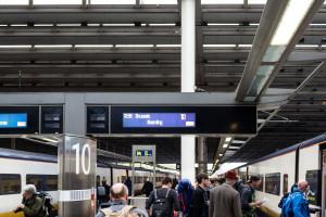 Gleis 10 - Abfahrt Eurostar nach Brüssel