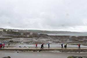 Auf dem Weg zu St. Michels Mount bei Ebbe und Regen