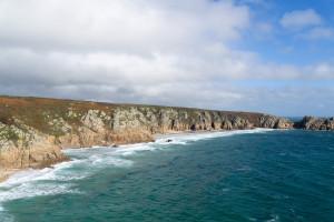 Steil Küste bei Porthcurno