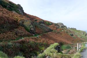 Blick auf den Weg zu Tintagel Castle