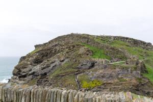 Blick von der Kapelle auf Tintagel Castle