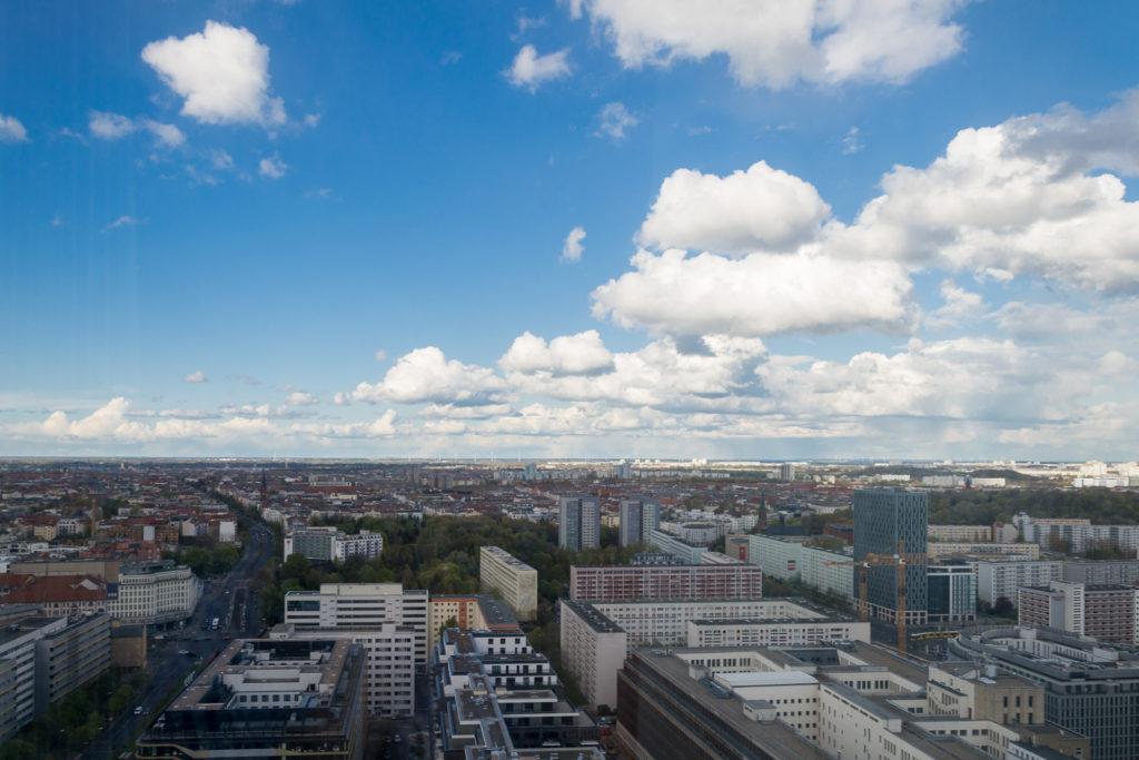 Aussicht über Berlin vom Hotel Stockwerk 33 aus. Teil 2