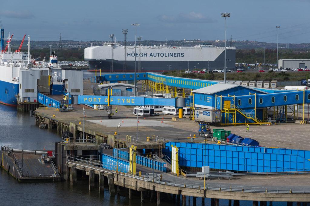 Höegh Autoliners steht im Port of Tyne
