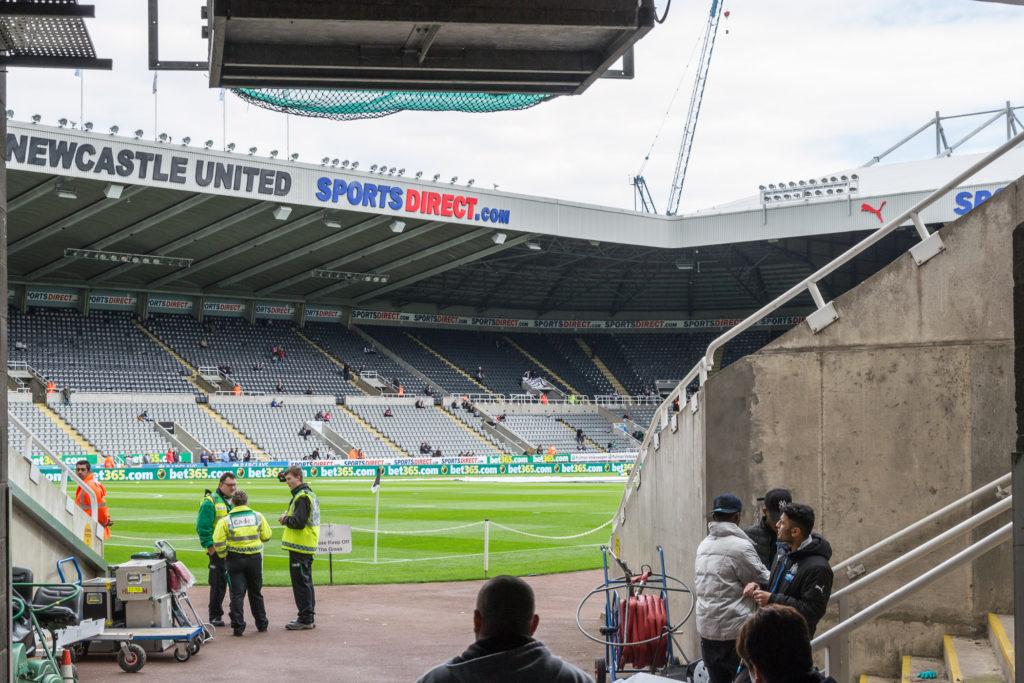 Nah dran am Spielfeld von Newcastle United FC - leider nicht unsere Plätze