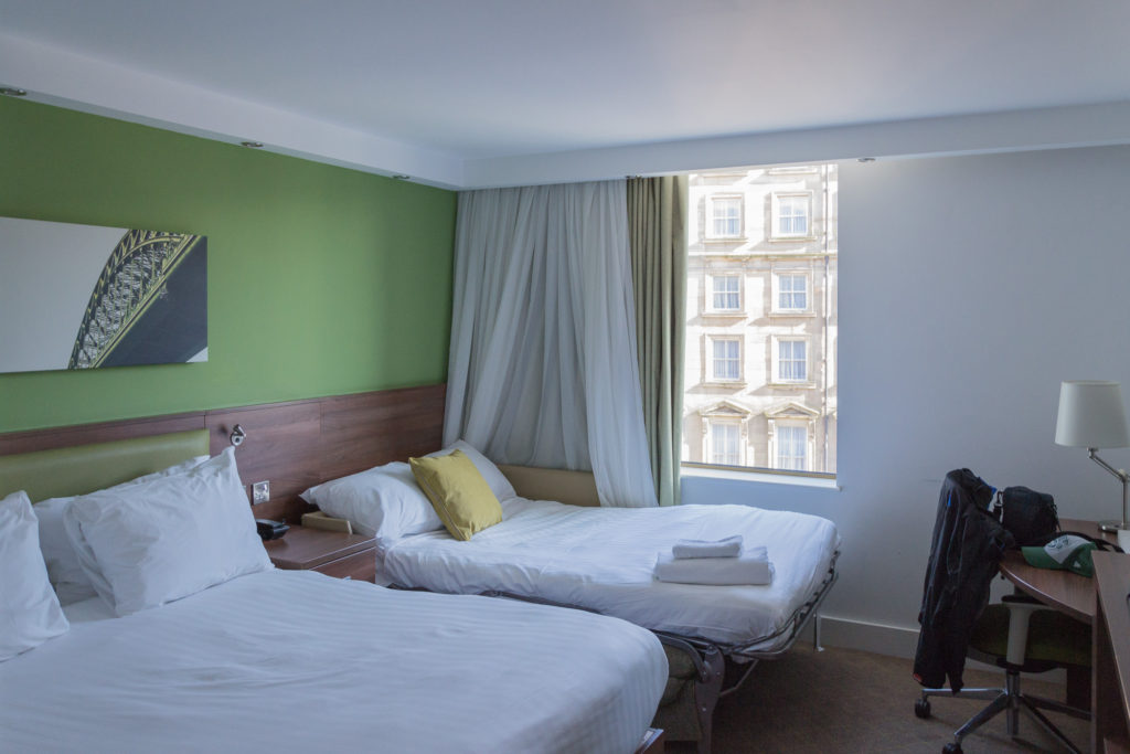 Hampton Inn by Hilton Newcastle - Doppelzimmer mit extra Bett
