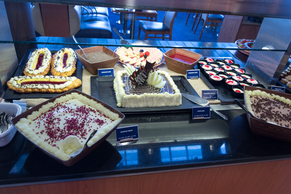 Dessert Buffet im 7Seas Buffet Restaurant auf der King Seaways