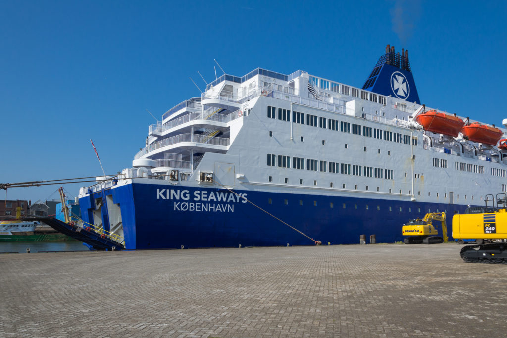 King Seaways am Hafen in Amsterdam / Ijmuiden