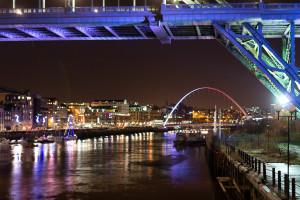 Silvester in Newcastle - Millenium Bridge bei Nacht
