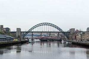 Blick von der Millenium Bridge auf die Swing Bridge