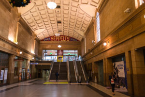 Wunderschöne Bahnhofshalle in Adelaide