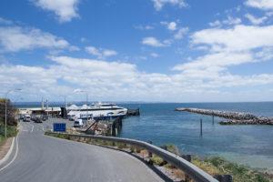 Sealink Sealion 2000 im Hafen von Cape Jervis