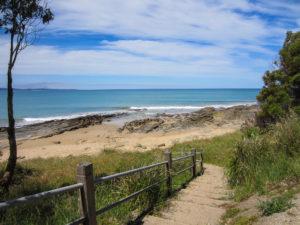 Steiniger Strand bei Lorne