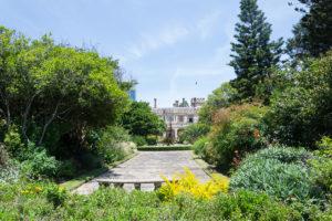 Hier kannst du dich im Garten ausruhen