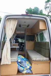 Couch die als Bett umgebaut werden kann im Apollo Euro Tourer